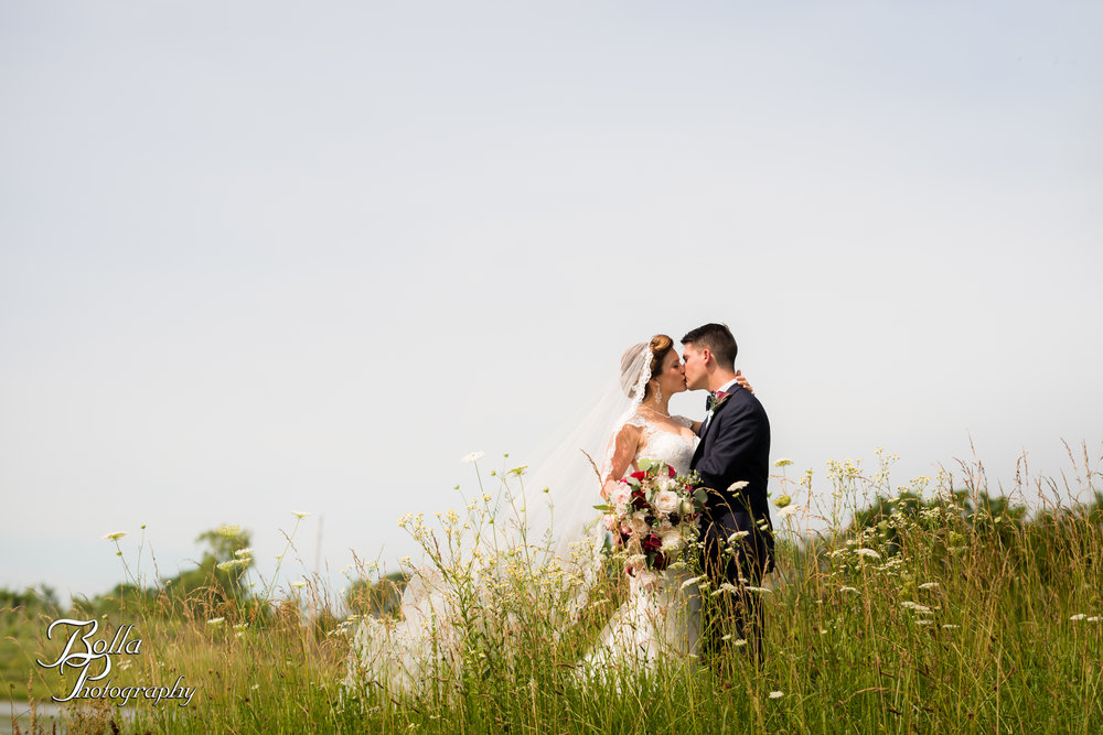 Bolla_photography_edwardsville_wedding_photographer_st_louis_weddings_Chaumette_winery_Mikusch-0234.jpg