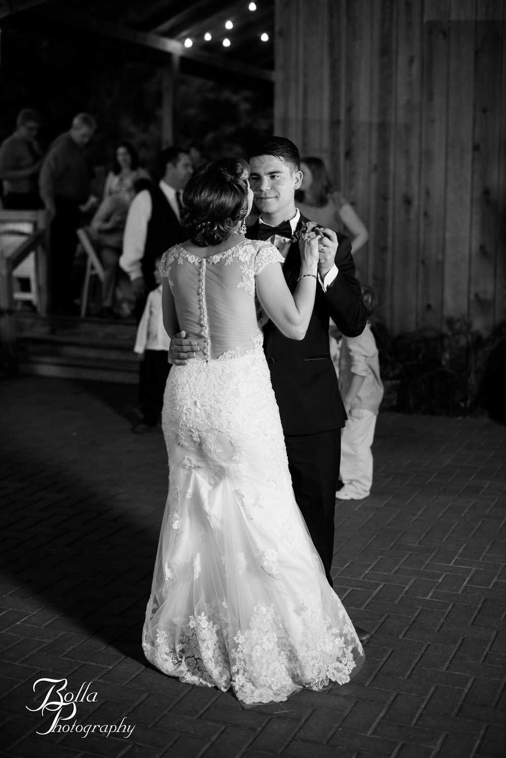Bolla_photography_edwardsville_wedding_photographer_st_louis_weddings_Chaumette_winery_Mikusch-0562-2.jpg