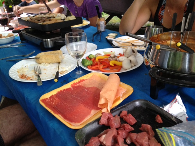 camping souper fondue.JPG