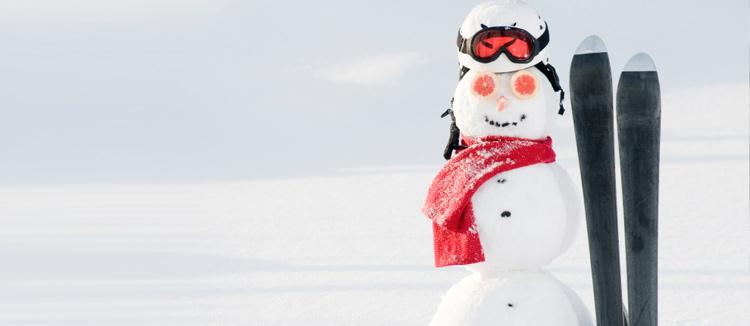 Bonhomme de neige en ski