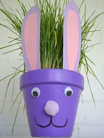 Un pot de fleurs en lapin