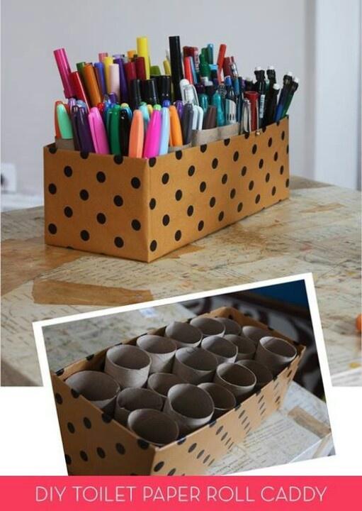 Jolie boîte avec rouleaux de papier hygiénique