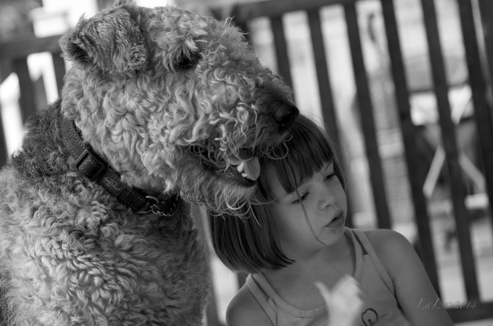 Mya et chien3.jpg