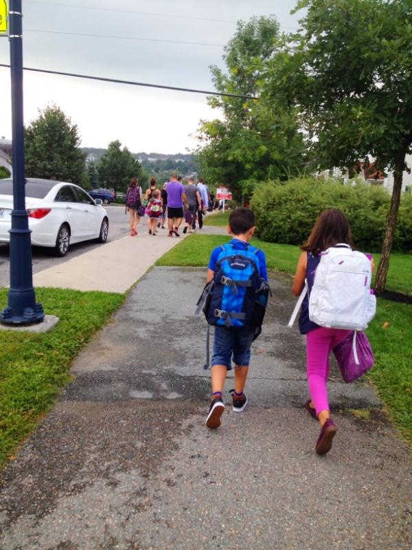 La fameuse marche vers l'école.