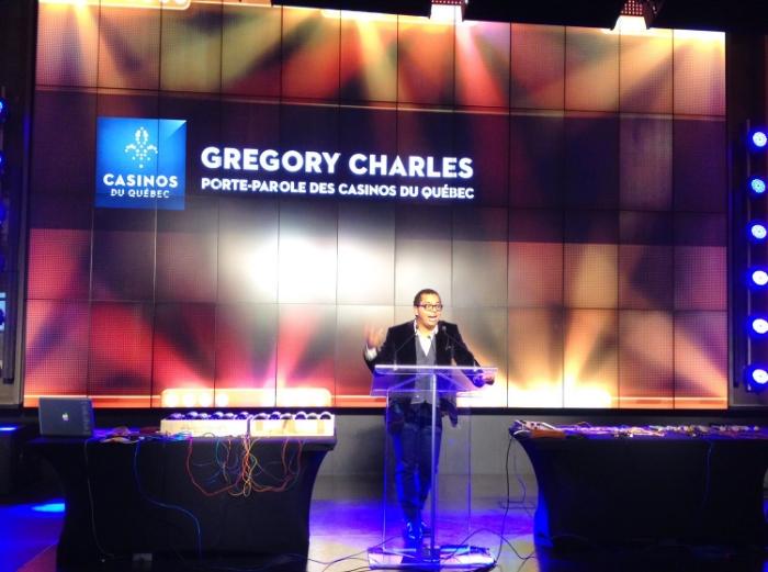 Grégory offrant le mot d'ouverture au lancement.
