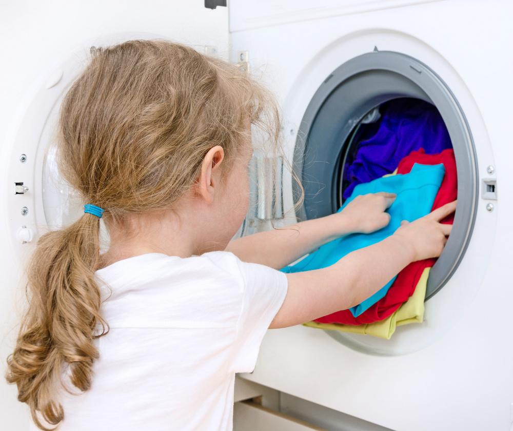 Vous vous posez la question : est-ce que mon enfant est assez grand pour faire une certaine tâche dans la maison ?