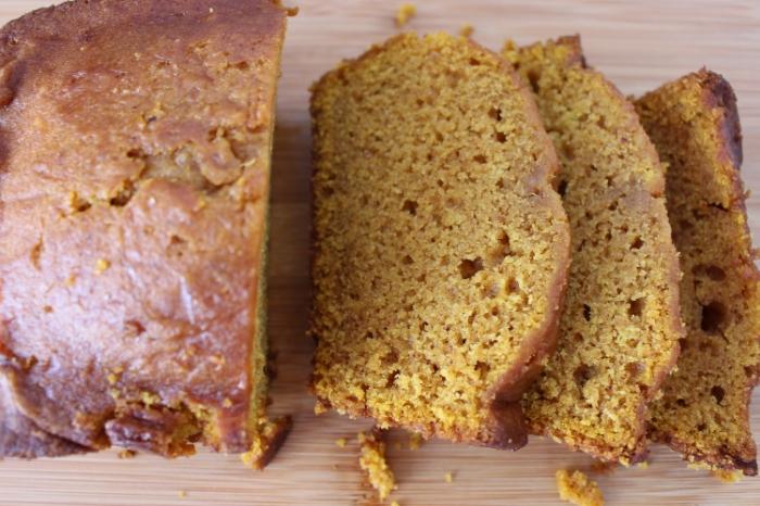 Pain à la citrouille-recette-reste de citrouille-quoi faire avec de la chaire de citrouille-automne-collation-repas-dessert-pain à la citrouille - Je suis une maman