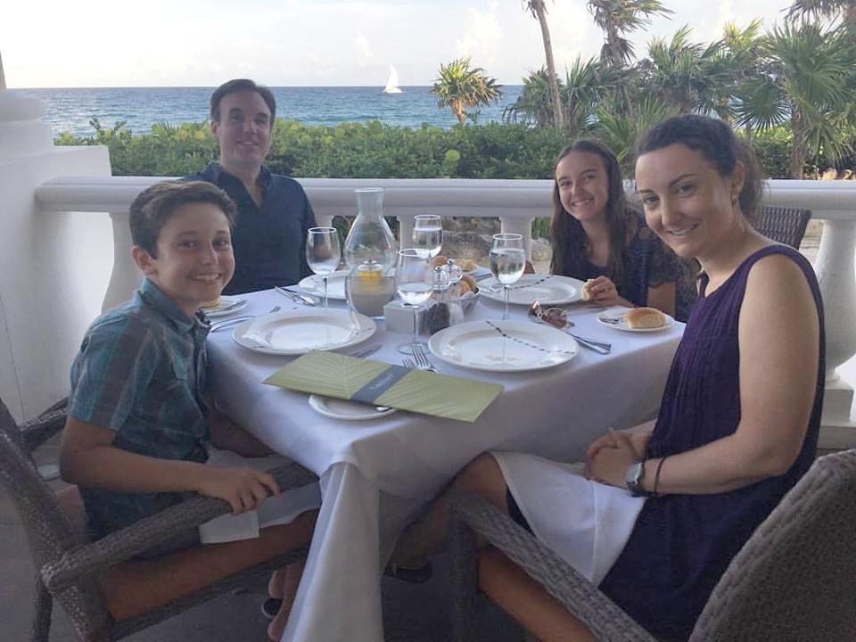 Lors d'un souper au Mexique en juillet.