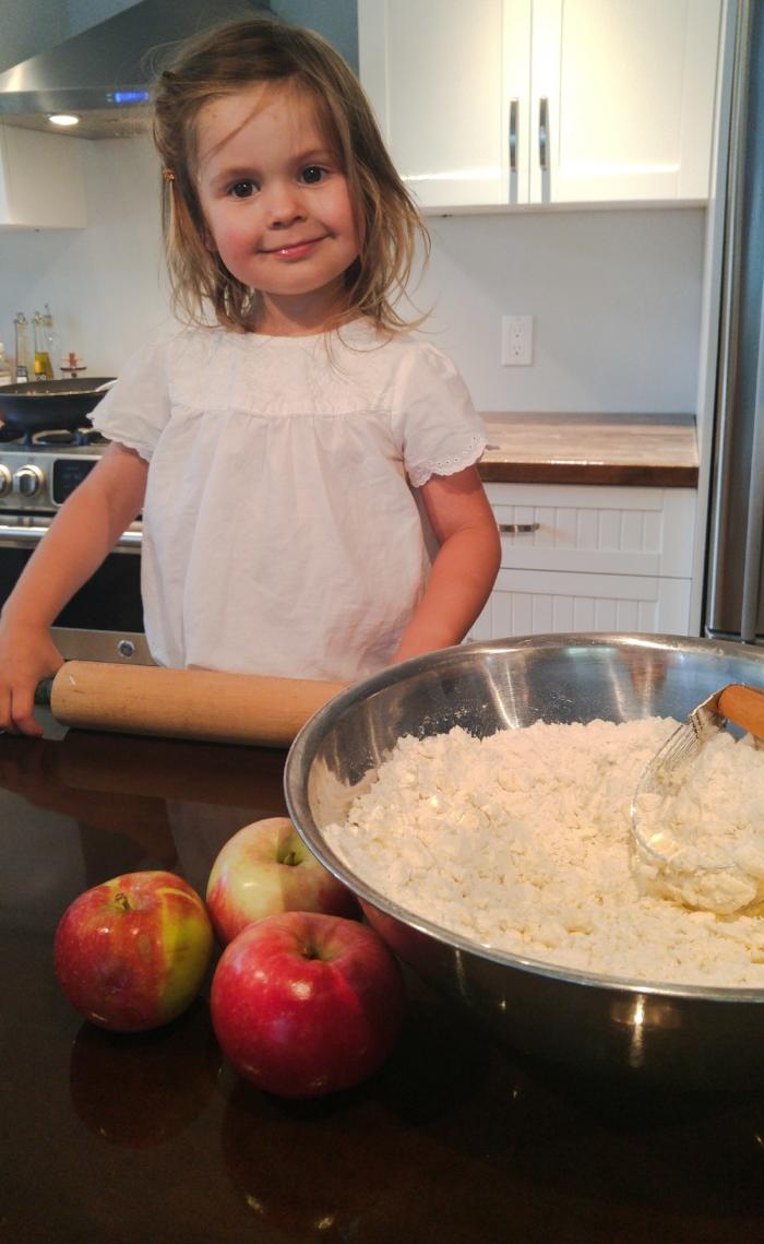 5 trucs pour cuisiner avec les enfants sans perdre la t te je suis une maman - Cuisiner avec une bouilloire ...