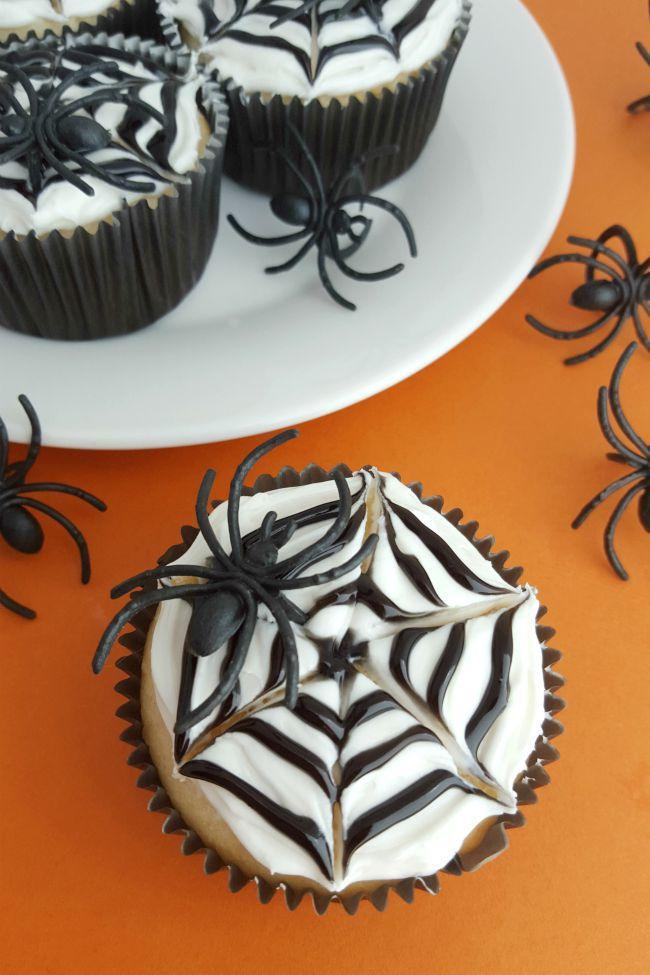 Cupcakes_toile.jpg