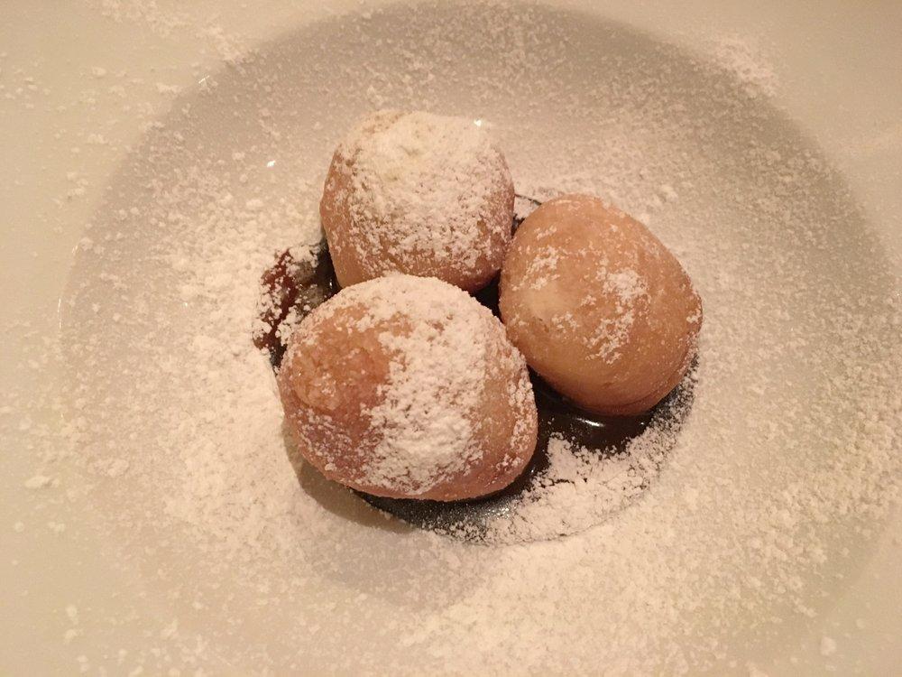 photo CReDIT: JAIME DAMAK ANDRE'S BOUCHéE restaurant: chocolate MINI doughnuts (MMMMMMM)