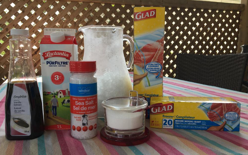 matériel pour faire de la crème glacée dans un sac