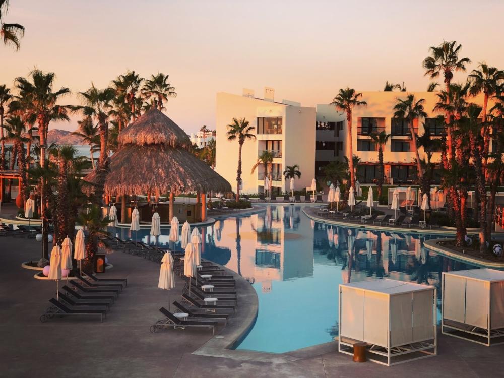 piscine coucher de soleil