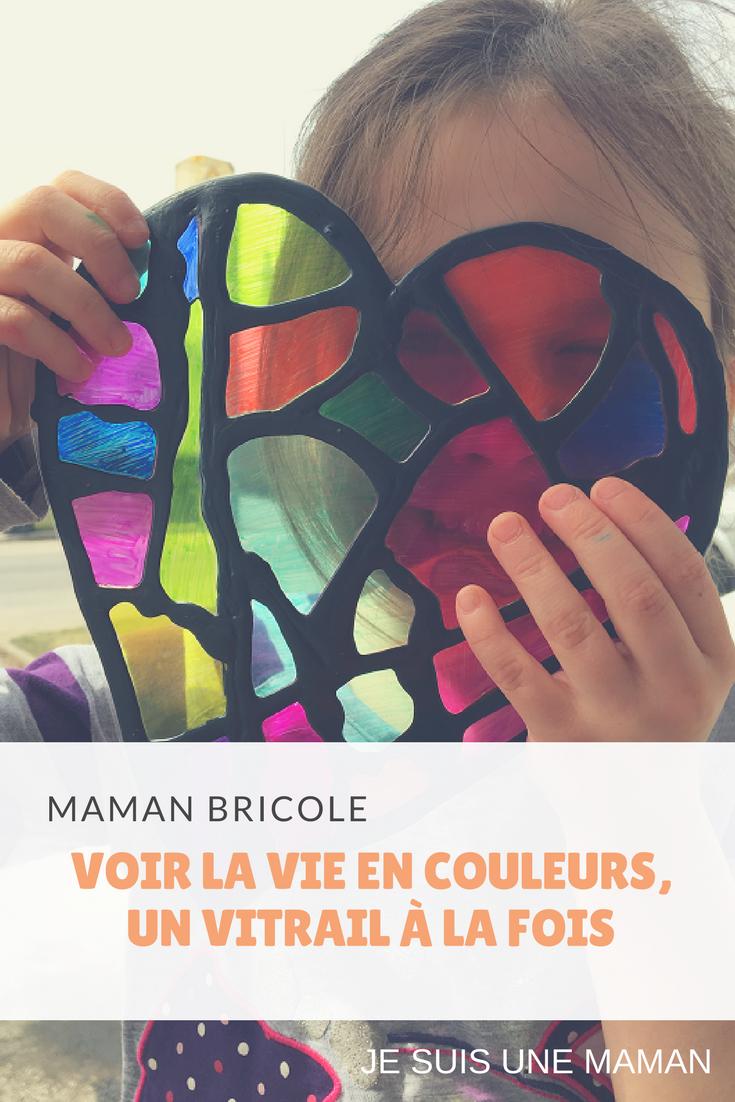 Vitrail-Bricolage-Brico-DIY-Couleurs-Crayons Sharpie-voir la vie en couleurs, un vitrail à la fois-Maman Bricole-#MamanBricole-Je suis une maman