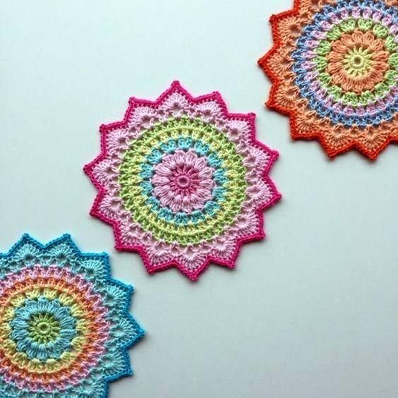 centres de table en tricot-crochet-crocheter-tuto-patron-Pinterest-Je suis une maman