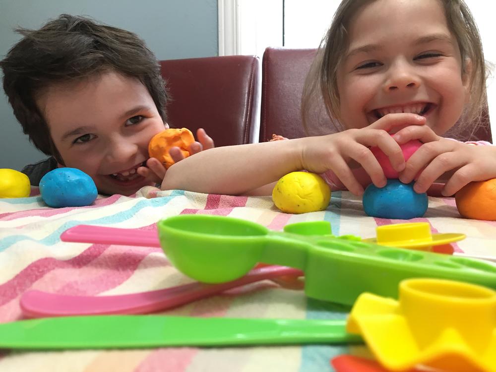 Pate à modeler-glaçage à gâteau-pate à modeler comestible-activité enfant-Maman Bricole-#MamanBricole-Je suis une maman