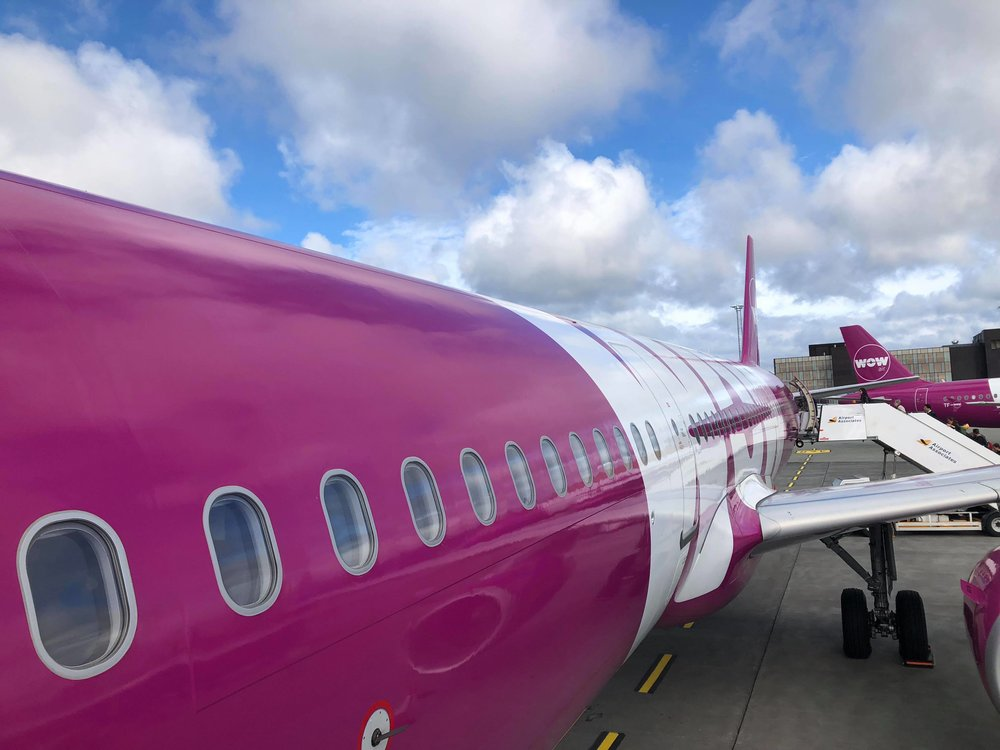 Wow Air-avion-transporteur-voyage en famille-Europe-voyager-questions/réponses-Jaime Damak-Je suis une maman