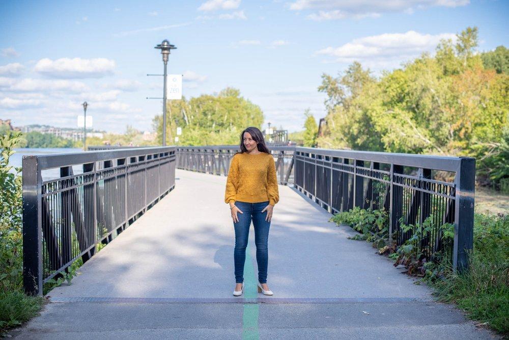 Mode-Mode femme-Mode féminine-Tendance 2018-automne-tricot jaune-RW &Co-Look femme-Jeans-Je suis une maman-Jaime Damak