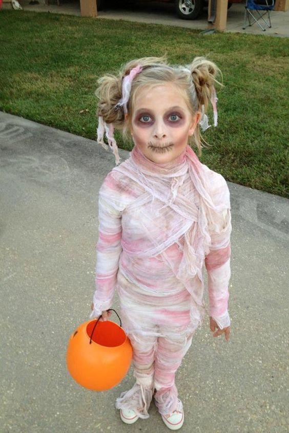 déguisements-Halloween-costumes-faits maison-inspiration-idées-déguiser-enfants-DIY-à faire soi même-suggestions de costumes d'Halloween-Famille-31 octobre-Je suis une maman