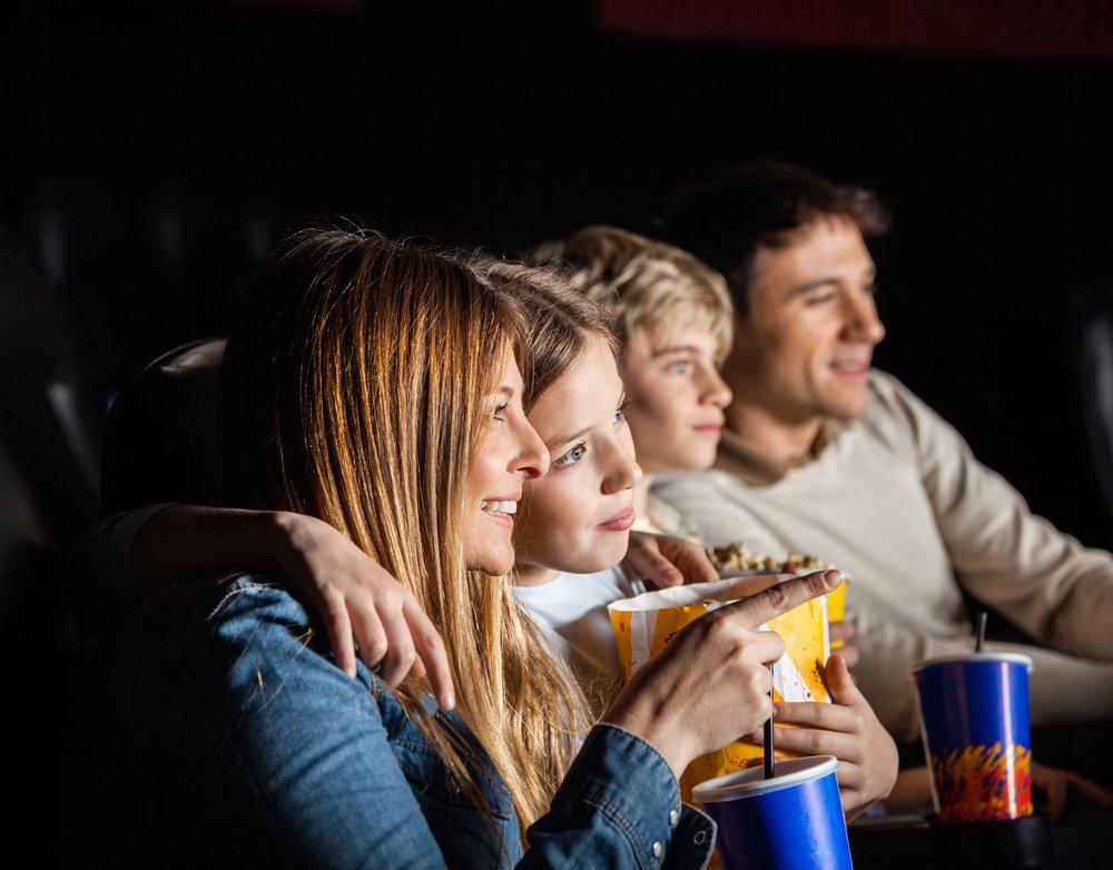 journée familiale annuelle dans les cinémas Cinéplex-dons-donner au suivant-films gratuits-cinéma gratuit-Organisme Unis-famille-enfant-Je suis une maman