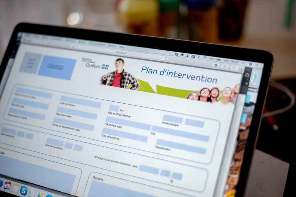 Plan d'intervention - Questions / réponses- PIA - éducation- école- concertation professeur parents-famille-jeunes- écoliers-Je suis une maman