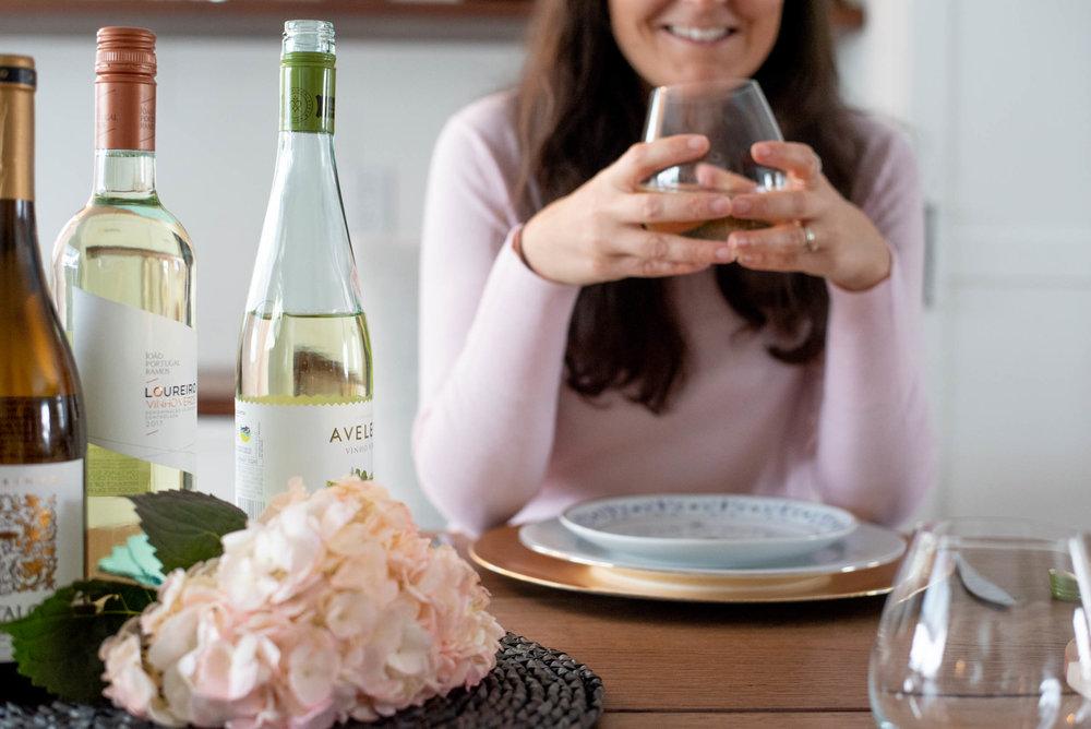 Vinho Verde-Vins-Rendez vous amoureux-amoureux- temps pour le couple-penser au couple-rester à la maison-Souper-Je suis une maman