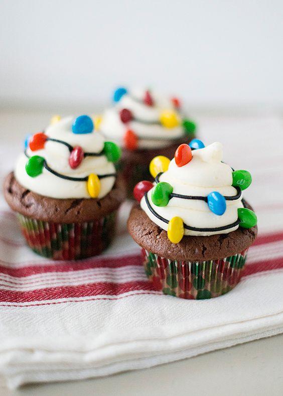 cupcakes facile à faire-décorer-muffins-gâteaux-desserts-collations-Noël-Fêtes-DIY-Je suis une maman