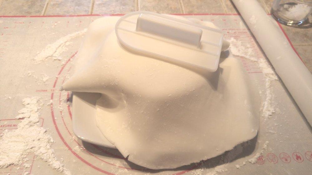 gâteau de Noël en forme de couronne- fondant-sucré-Maman Sucrée-Je suis une maman