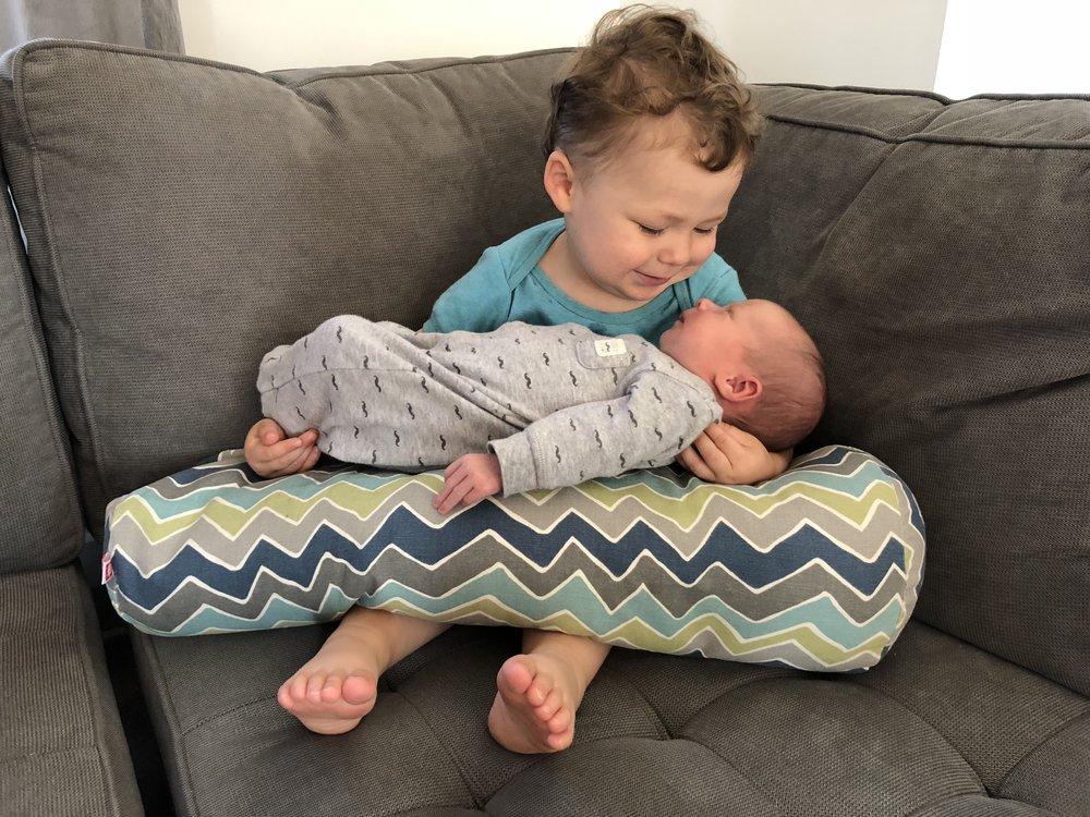 grand frère- complice-lettre à mon fils-famille-frères-bébé-je suis une maman