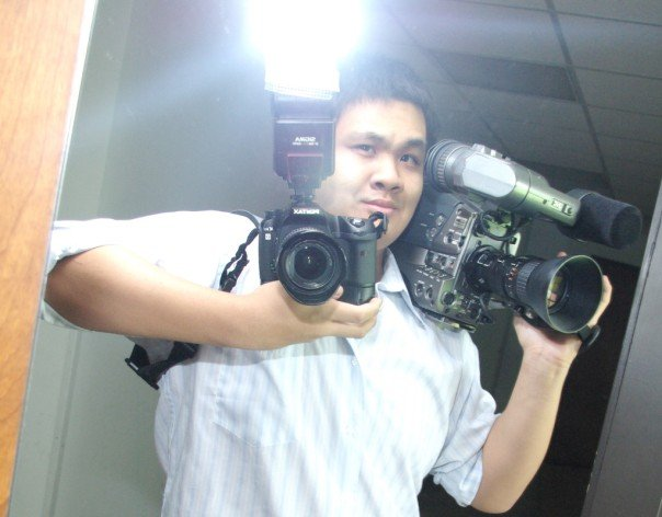 Yours truly covering stills and motion on the same assignment for the PR/Media department.