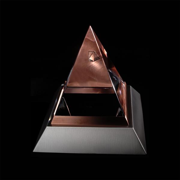Dalbar_Chrystal_Pyramid.jpg