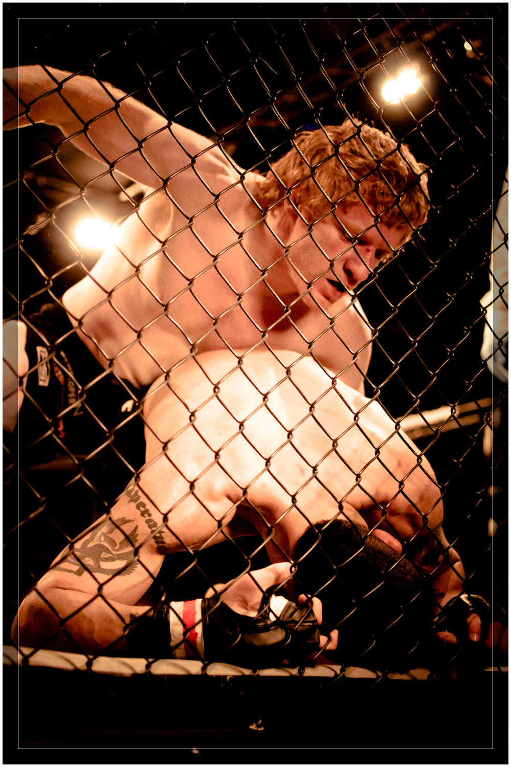 Paul Ross picks his shots on Hammid Akira Corassani in the main event of The ZONE FC8: Inferno in Gothenburg, Sweden