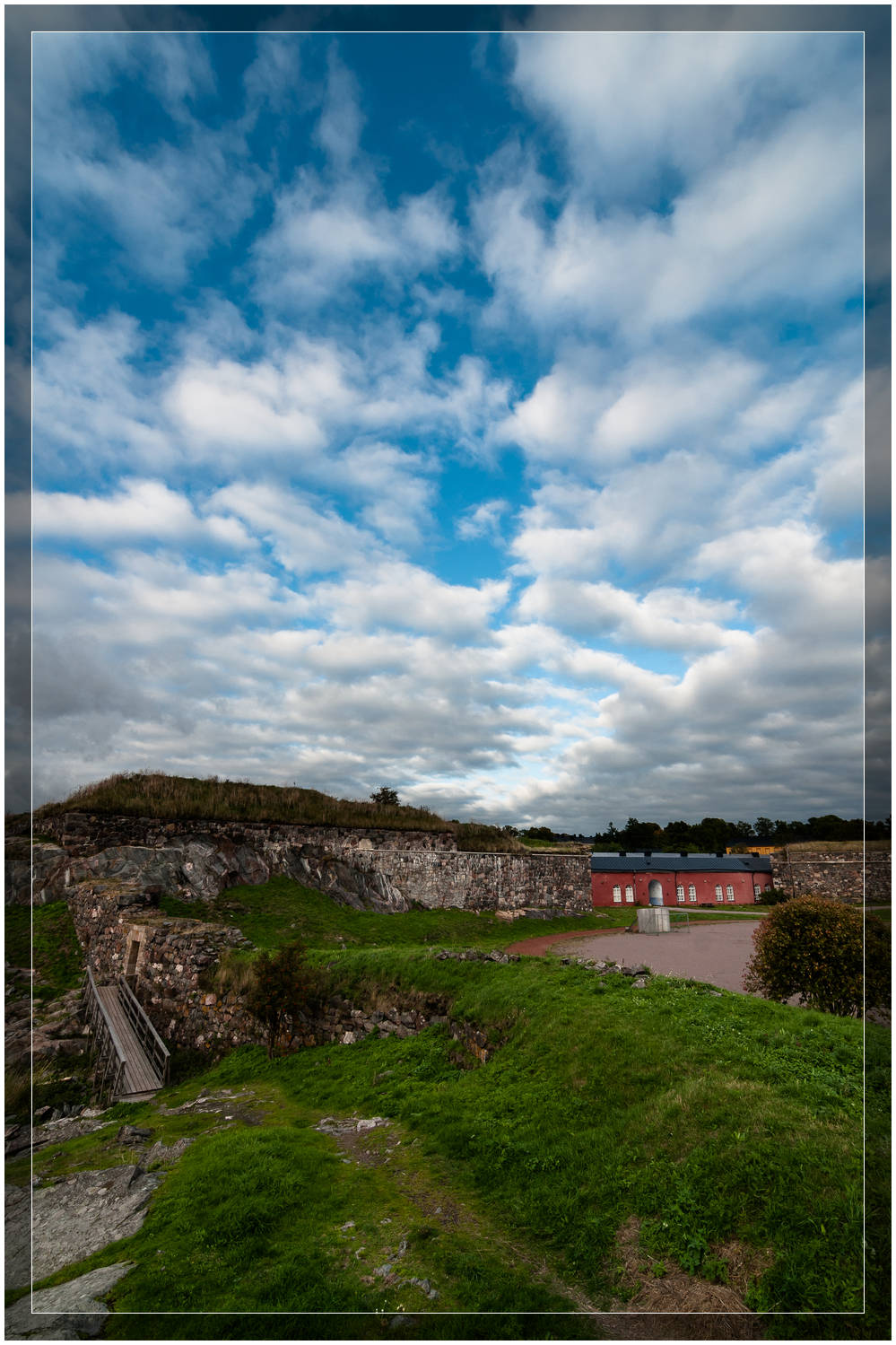 Suomenlinna Skies