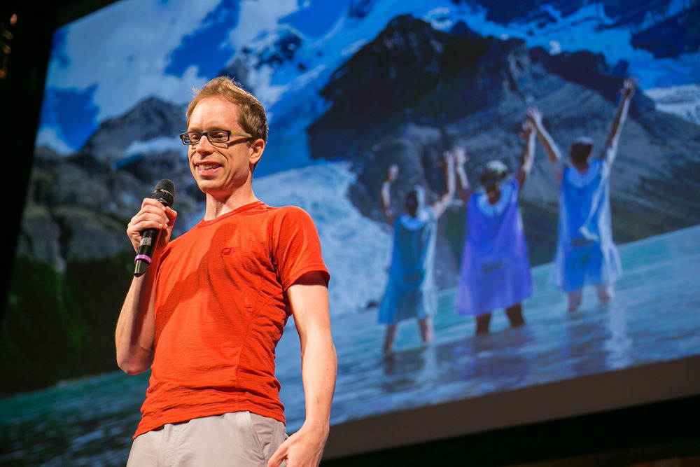 Speaking at the World Domination Summit in Portland in July 2014. © Armosa Studios