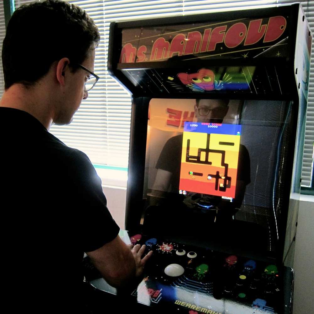 Playing Dig Dug on the Ms. Manifold machine
