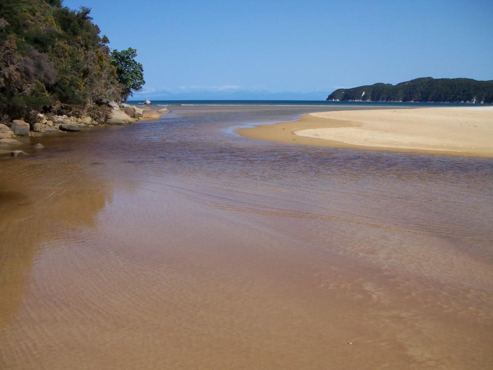Onetahuti Estuary tidal crossing