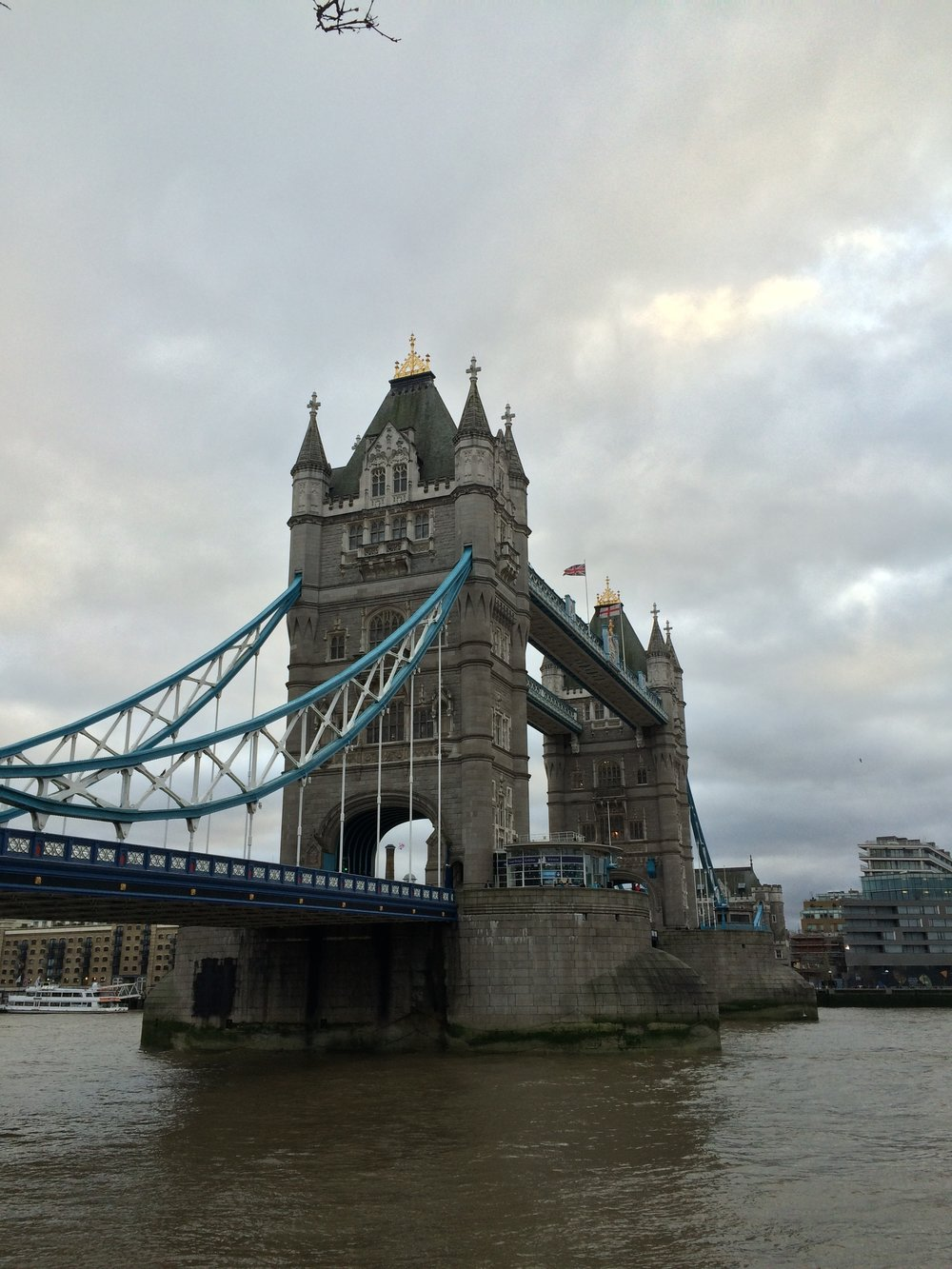 The twin towers of the Tower Bridge house the bascules that raise and lower the bridge