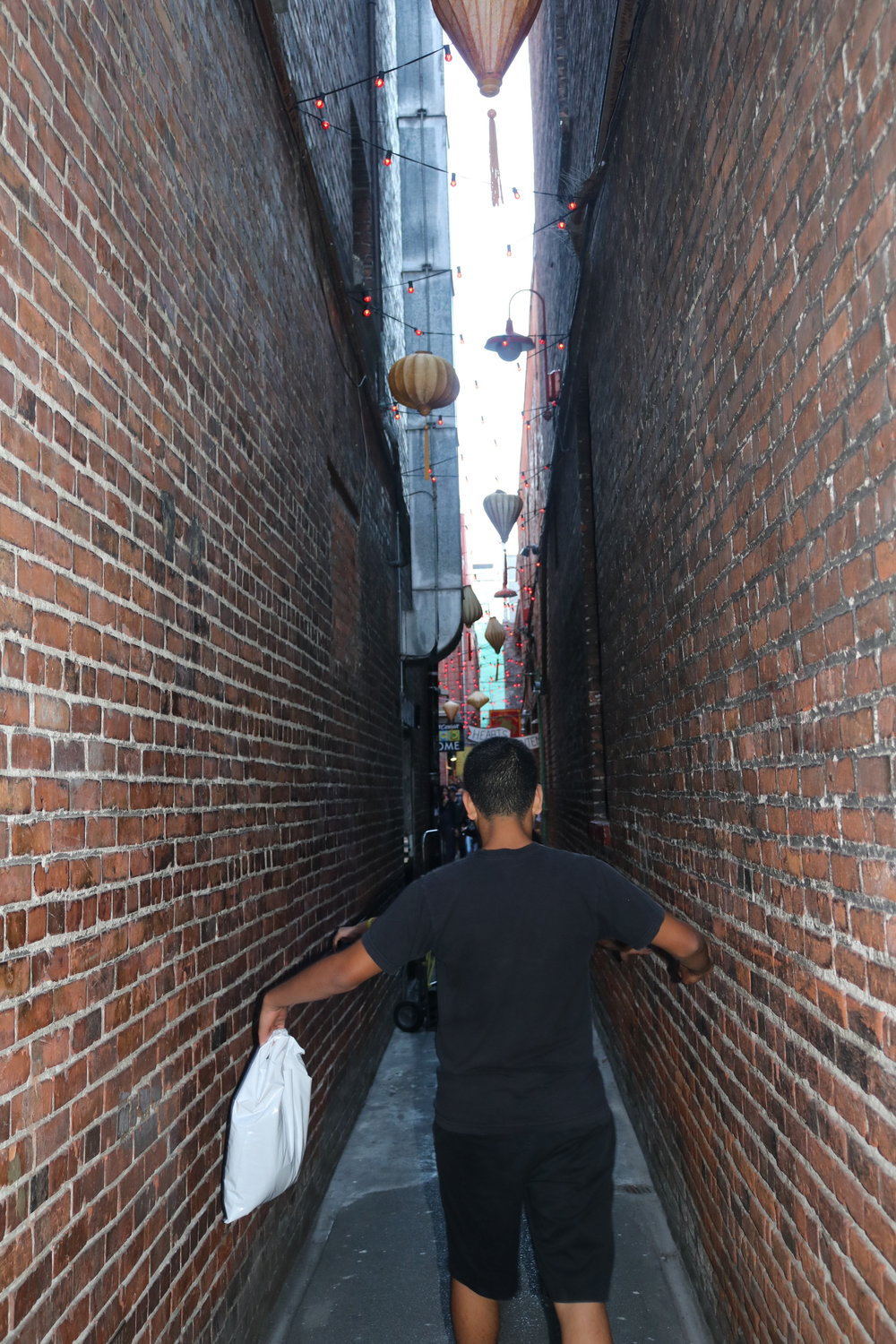 Fan Tan Alley starts out small, and narrows down to just under four feet in width.