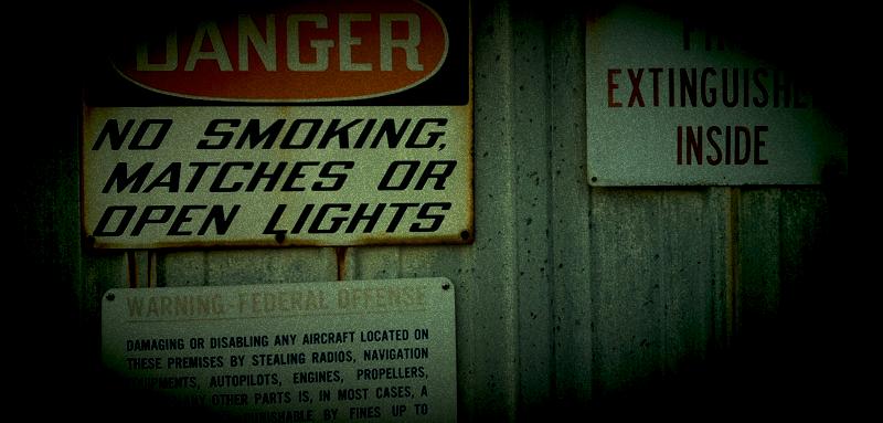 danger_narrow_night_glow.png