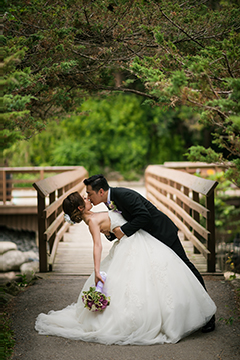 Toronto Wedding Photography Posing Tips.jpg