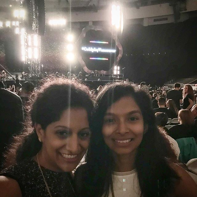 My sister came all the way from Charlotte to see #Coldplay, love her!! #vancouver #coldplayvancouver #superlongweekend #bcplace