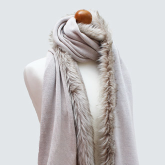 ladies merino wool knitted scarf with faux fur trim