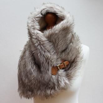 ladies faux fur buckle scarf