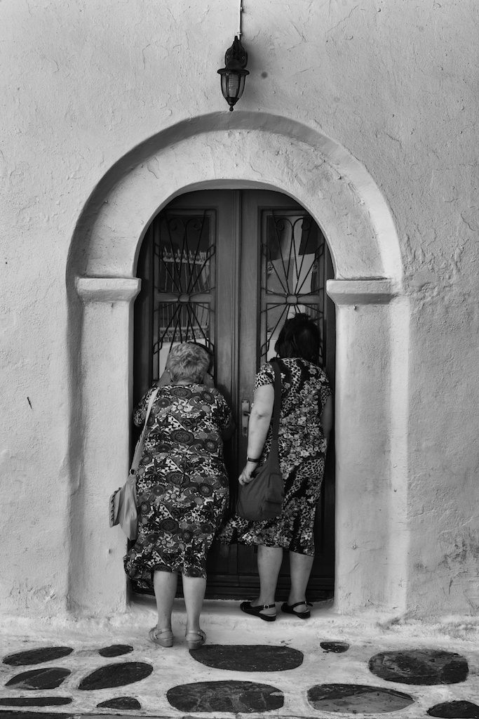 Ladies who Pray: 35mm Summicron, 1/750s at f/8, ISO 320 (Photo Mike Evans)