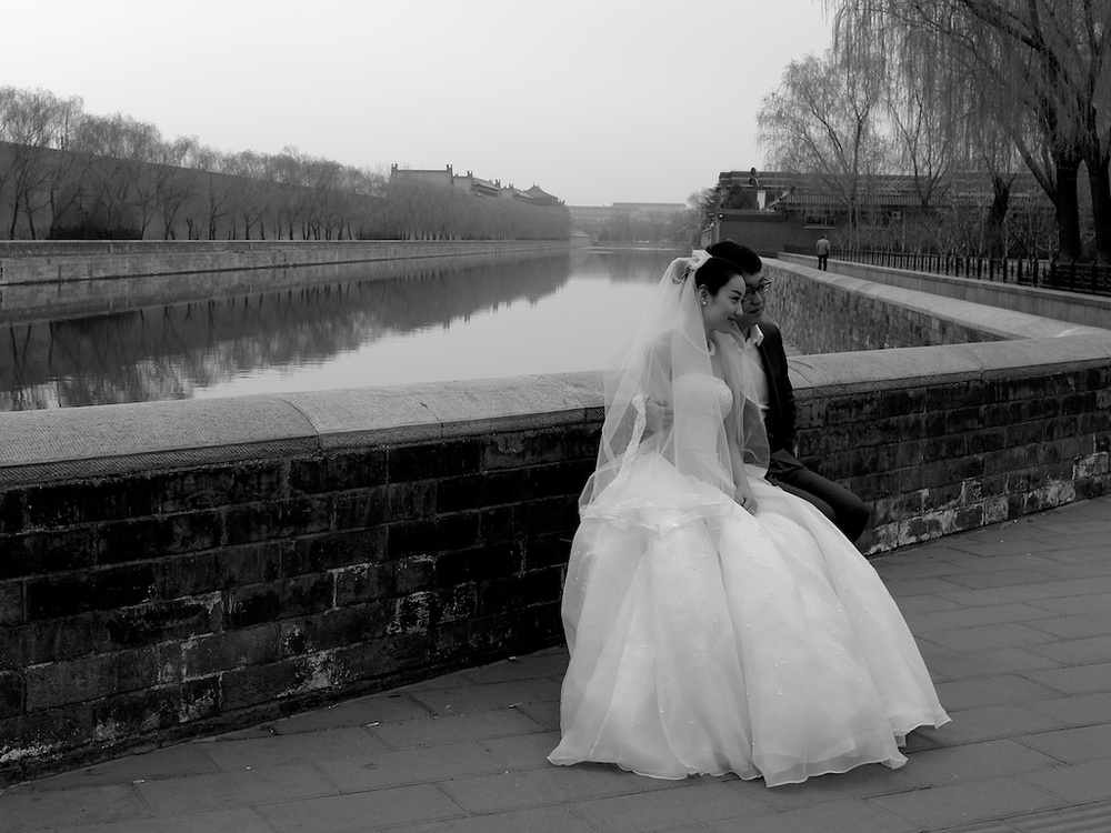 Last April: The traditional western wedding dress is becoming increasingly popular. Photo Lieca X2.