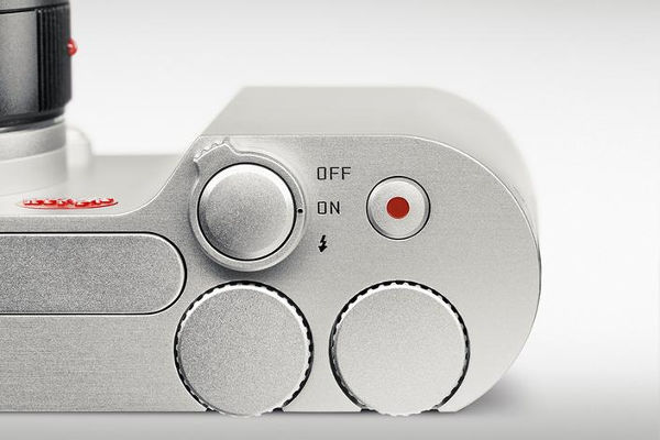 The little flash sits above the Leica logo and the two custom dials are without any form of engraving
