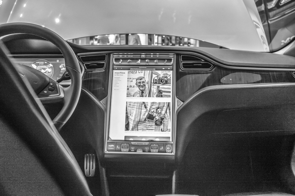It is very handy to be able to read one's blog on the Tesla's command centre. Would one ever get any driving done?