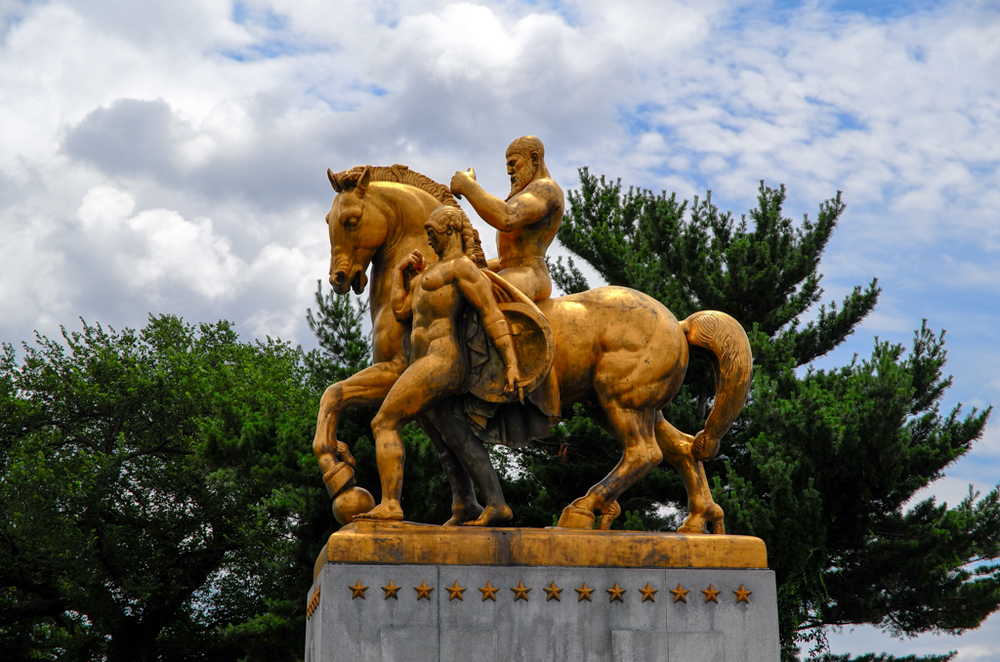 One of the impressive Italianate sculptures at the eastern entrance to the Arlington Memorial Bridge