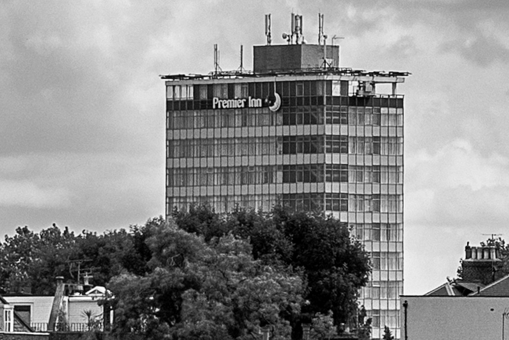 100% Crop from the above shot, 75mm Apo-Summicron. Premier Inn looks a bit ramshackle