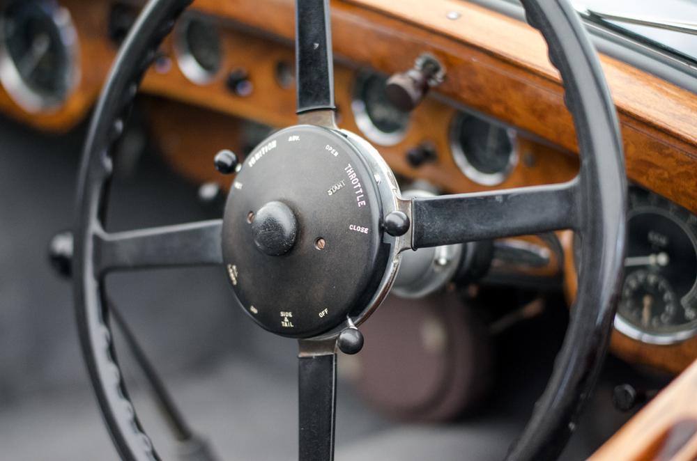Old motor, f/1.4